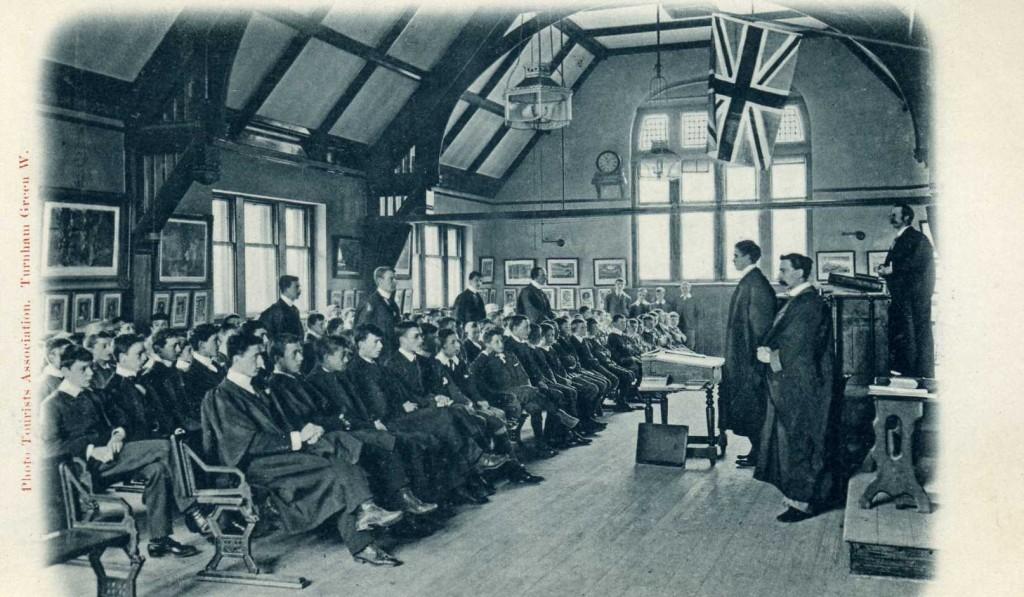 KEGS classroom postcard 1904
